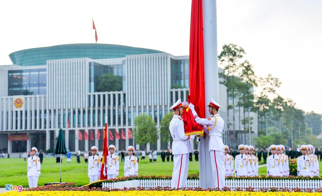 Nghi le thuong co o Lang Chu tich Ho Chi Minh hinh anh 4
