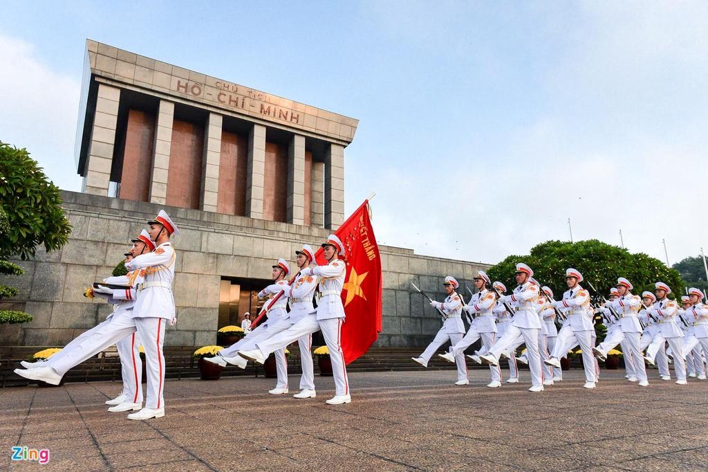 Nghi le thuong co o Lang Chu tich Ho Chi Minh hinh anh 8