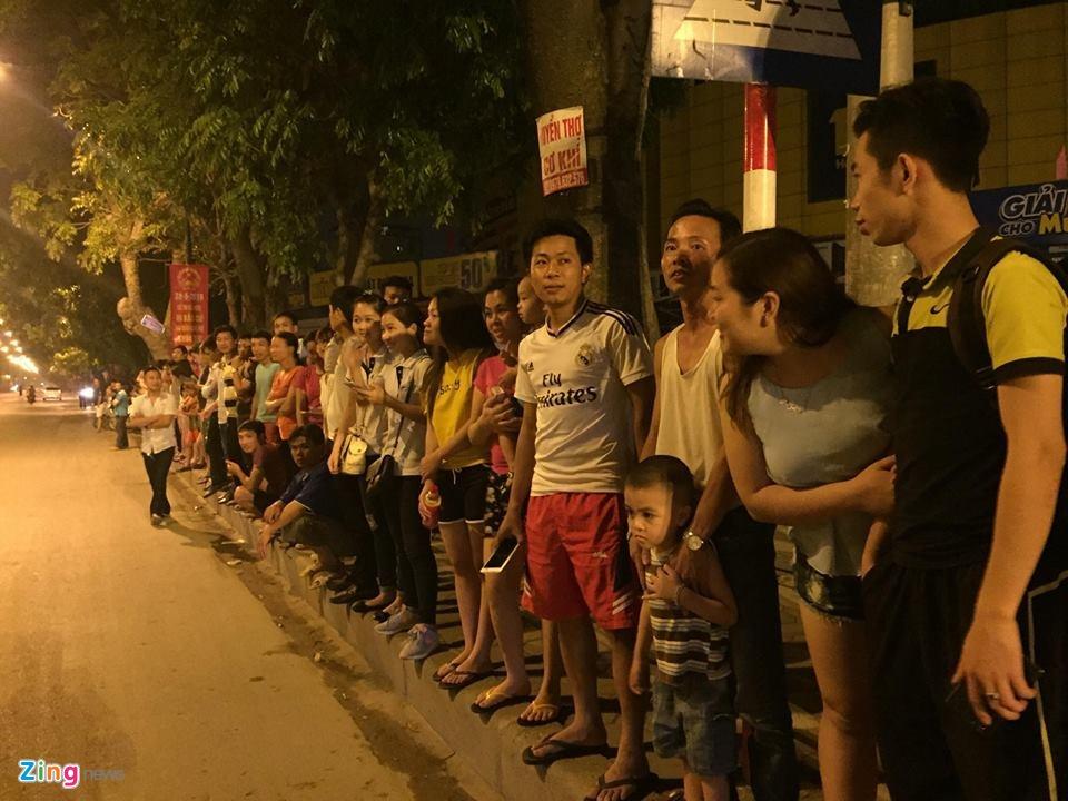Doan xe dac chung don Tong thong Obama tai Ha Noi hinh anh 18