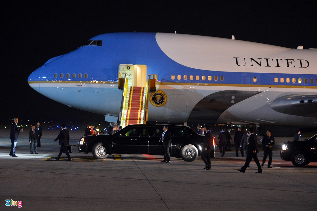 Doan xe dac chung don Tong thong Obama tai Ha Noi hinh anh 8