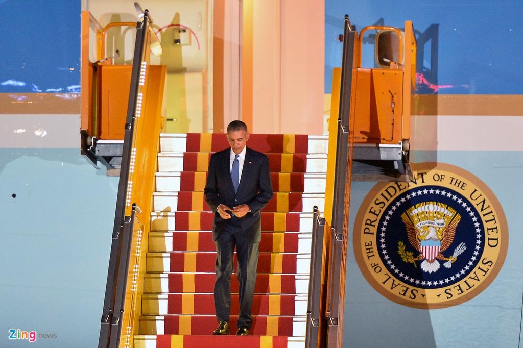 Doan xe dac chung don Tong thong Obama tai Ha Noi hinh anh 12