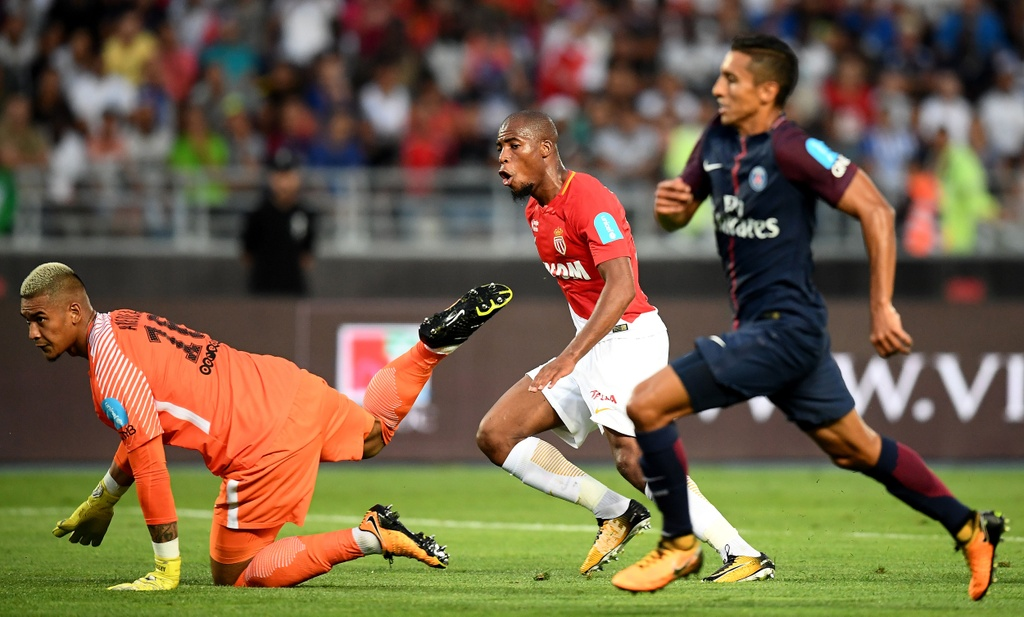 Dani Alves lap sieu pham sut phat dua PSG dang quang sieu cup Phap hinh anh 2