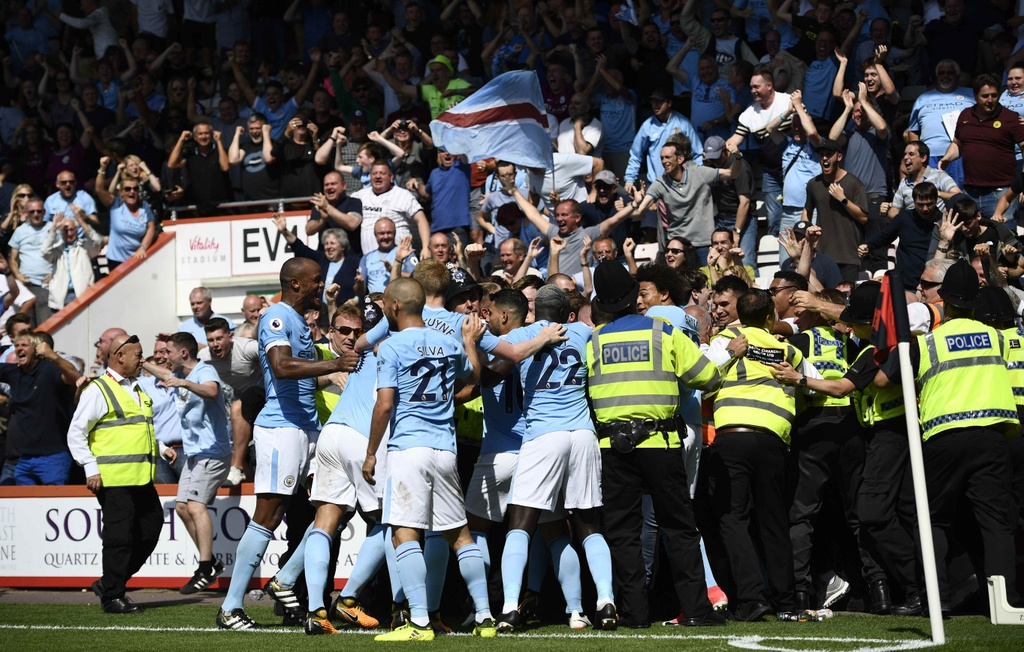 Man City ha Bournemouth nho ban thang phut bu gio hinh anh 10