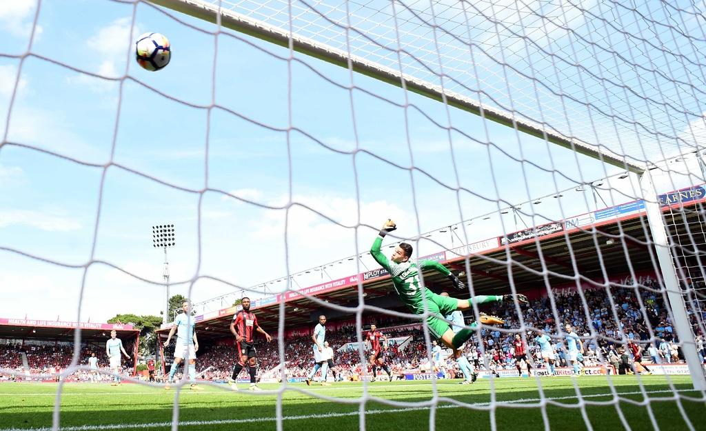 Man City ha Bournemouth nho ban thang phut bu gio hinh anh 3