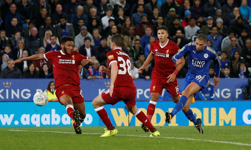 Van den tiep tuc deo bam Chamberlain va Liverpool hinh anh 7