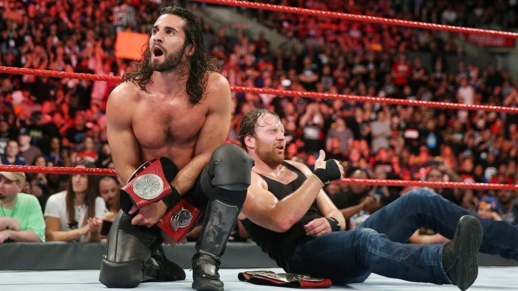 Sieu sao WWE gay 2 rang cua vi bieu dien qua sung hinh anh 7