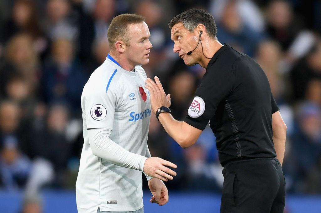 Rooney cung dong doi roi xuong nhom cam den do sau tran thua hinh anh 6