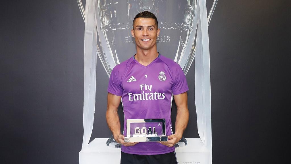 Ronaldo hay nhat 2017, Messi dung thu tu hinh anh 1