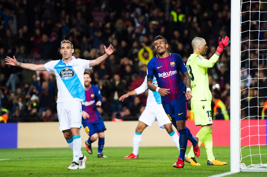 Messi lap hat-trick sut trung khung go, Barca van thang 4-0 hinh anh 5