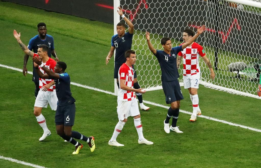 Can canh tinh huong VAR - buoc ngoat cua tran chung ket World Cup hinh anh 2