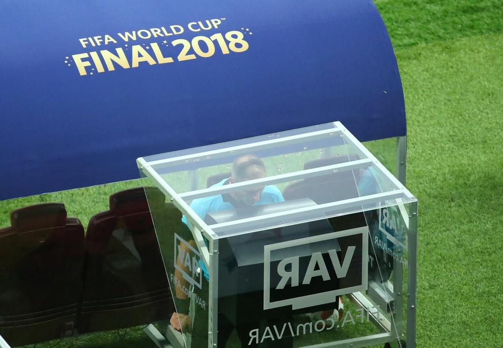 Can canh tinh huong VAR - buoc ngoat cua tran chung ket World Cup hinh anh 4