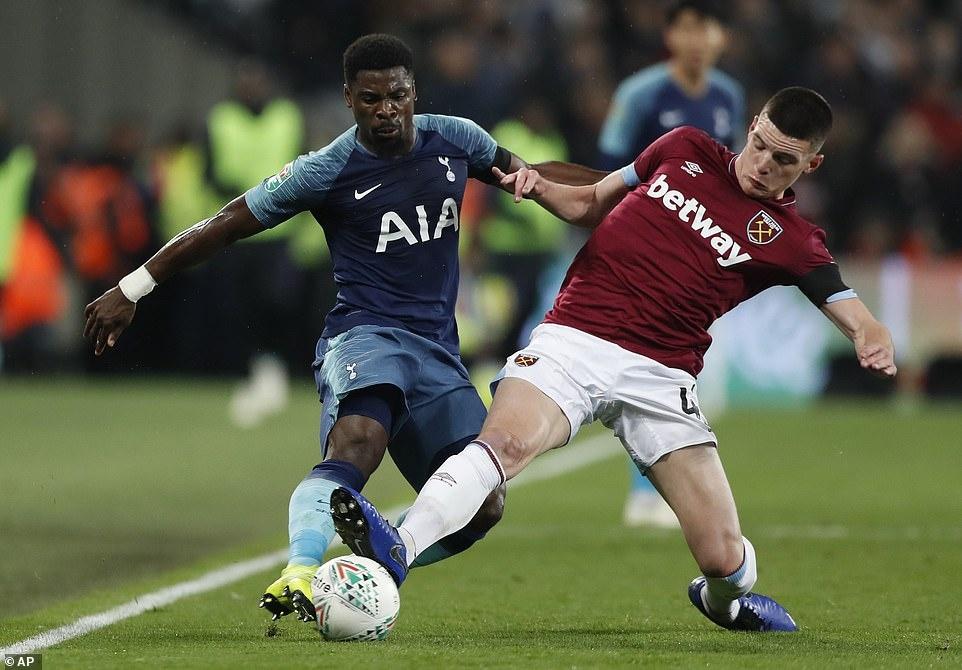 Son Heung-min lập cú đúp, Tottenham hẹn Arsenal ở tứ kết Carabao Cup