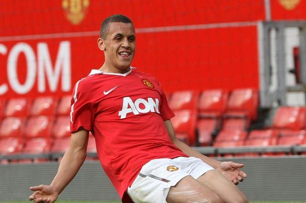 So phan trai nguoc cua doi hinh MU vo dich FA Youth Cup 2011 hinh anh 8