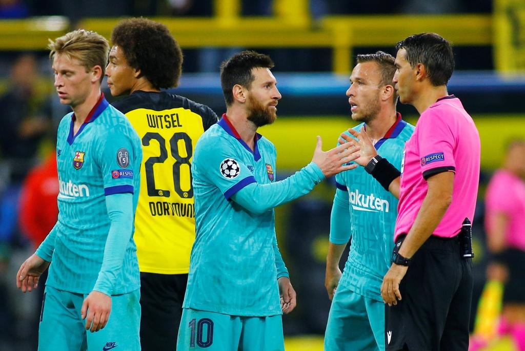 Messi nhat nhoa trong ngay Barca gap kho truoc Dortmund hinh anh 6