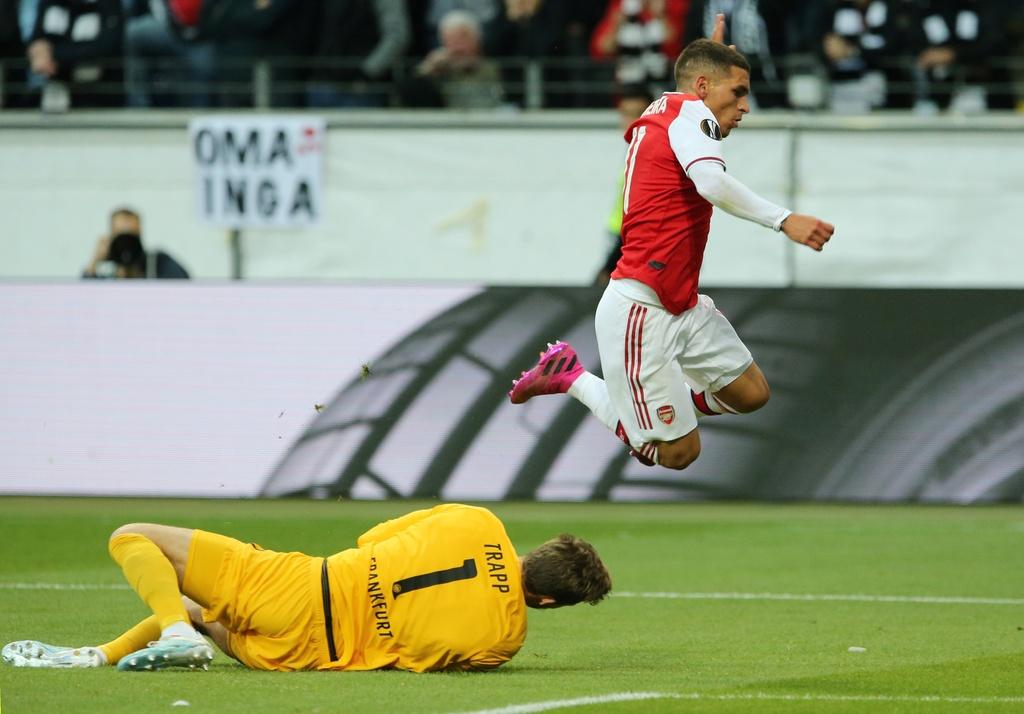 Arsenal thang 3-0 o tran ra quan Europa League hinh anh 2