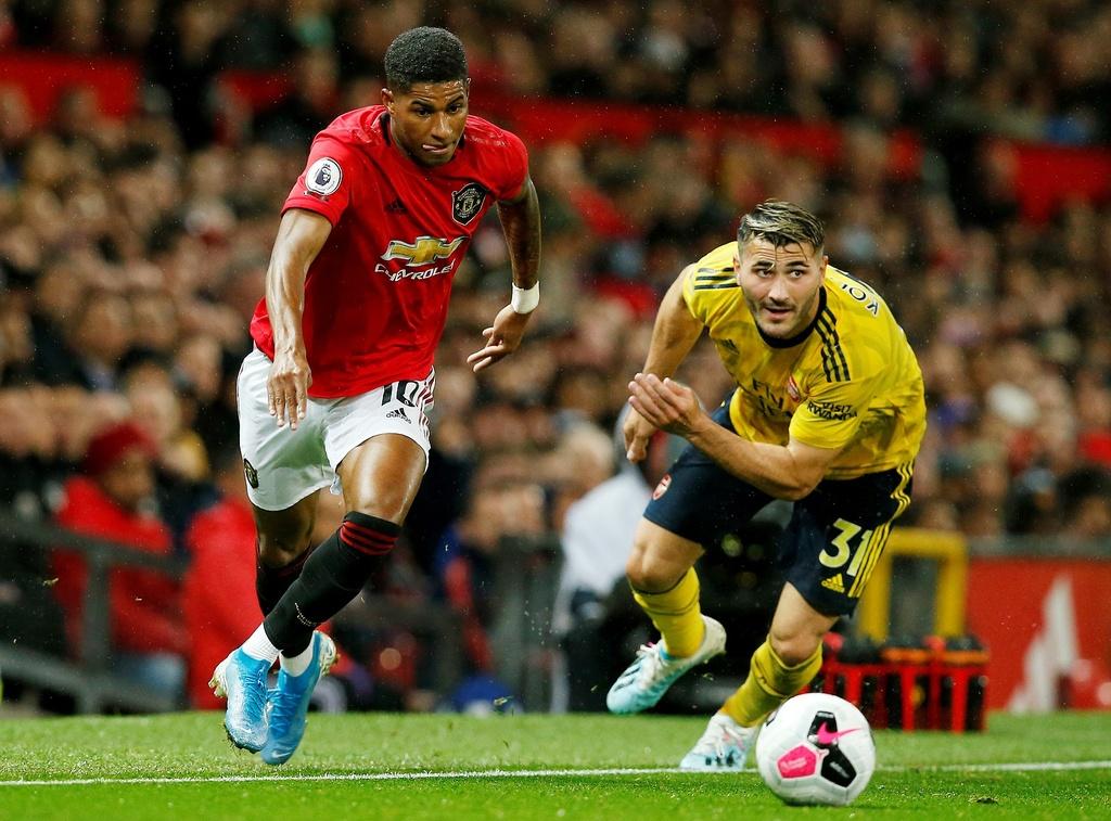 Man Utd gap Arsenal anh 3