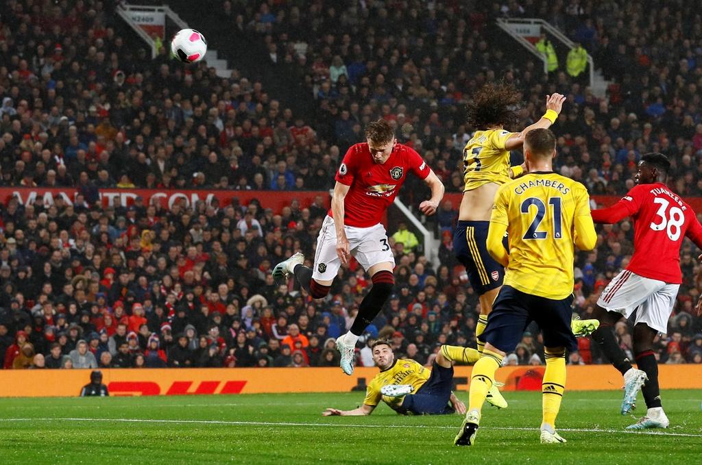 Man Utd gap Arsenal anh 8
