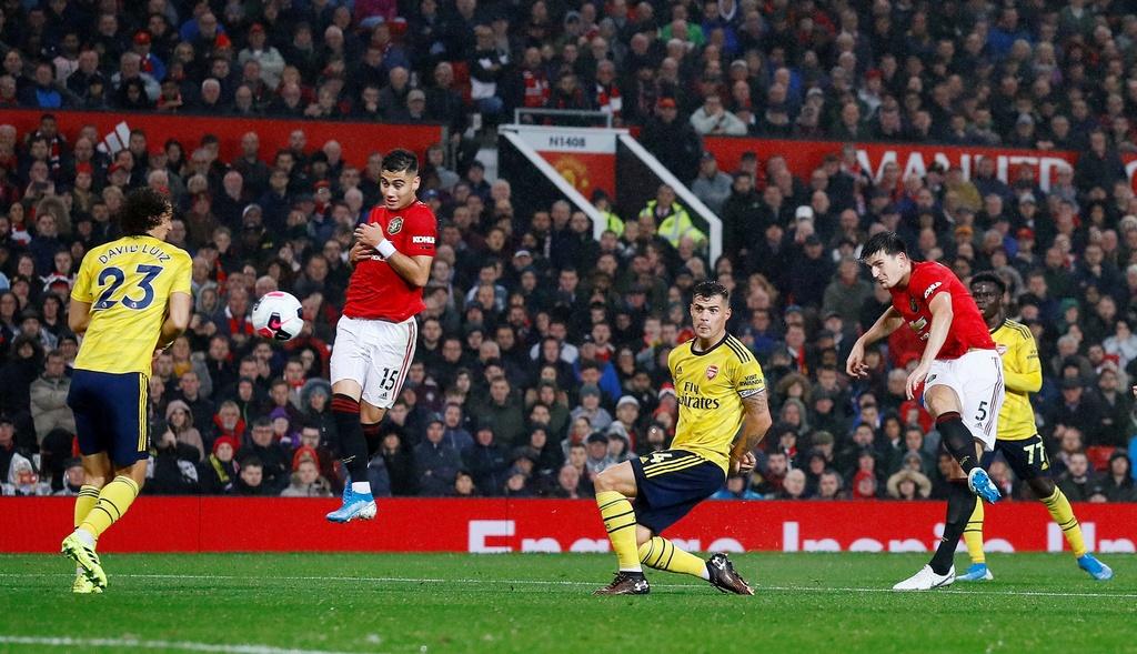 Man Utd gap Arsenal anh 9