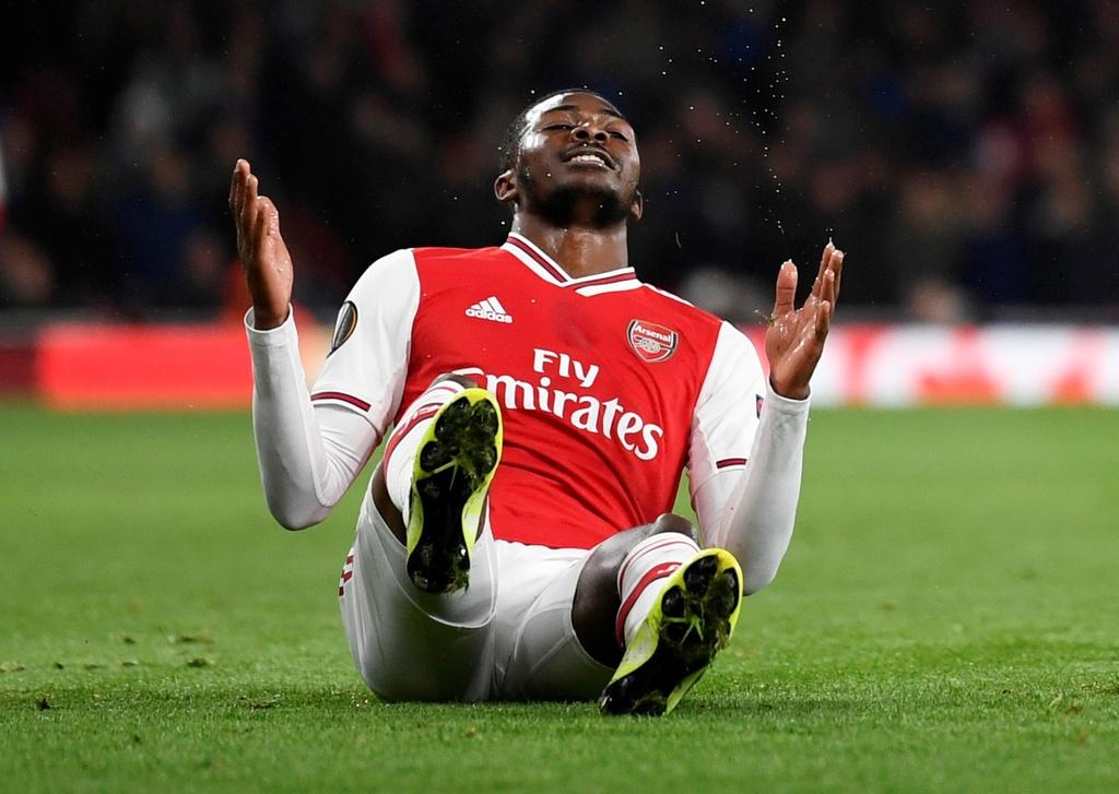 Tien dao 18 tuoi lap cu dup trong 2 phut giup Arsenal thang 4-0 hinh anh 6