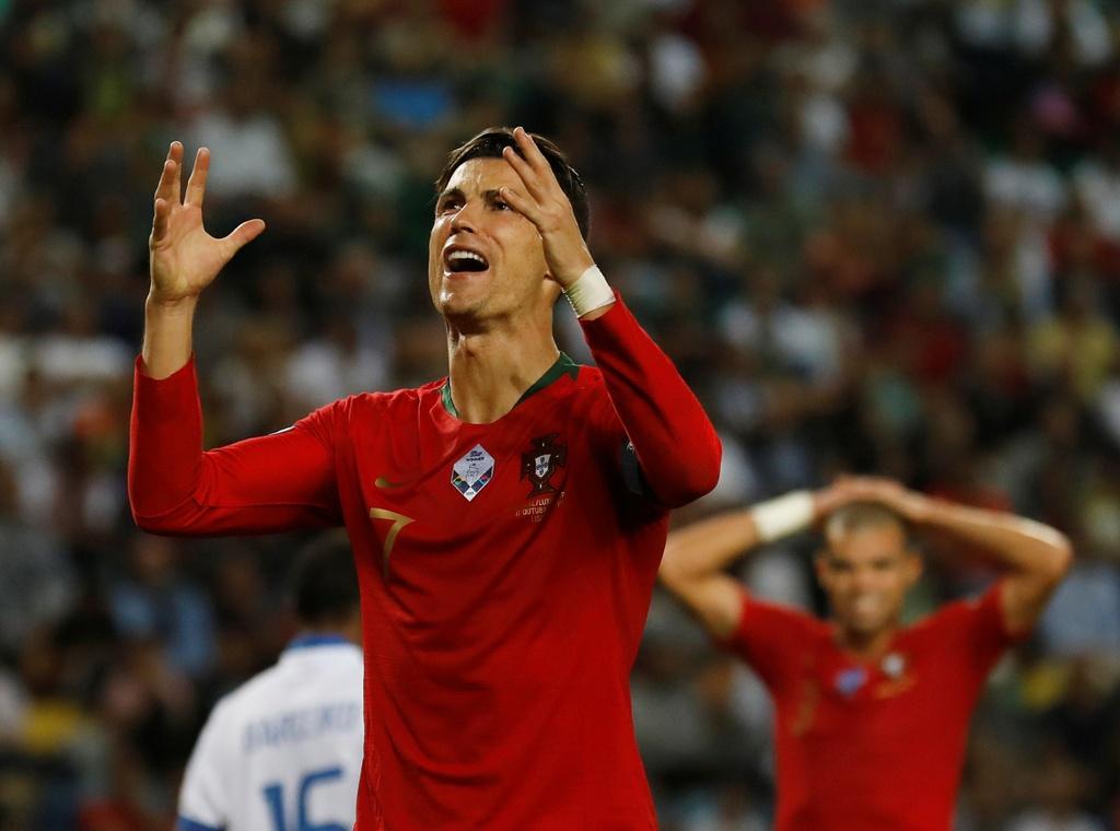 Ronaldo ghi ban giup Bo Dao Nha thang dam o VL Euro 2020 hinh anh 6