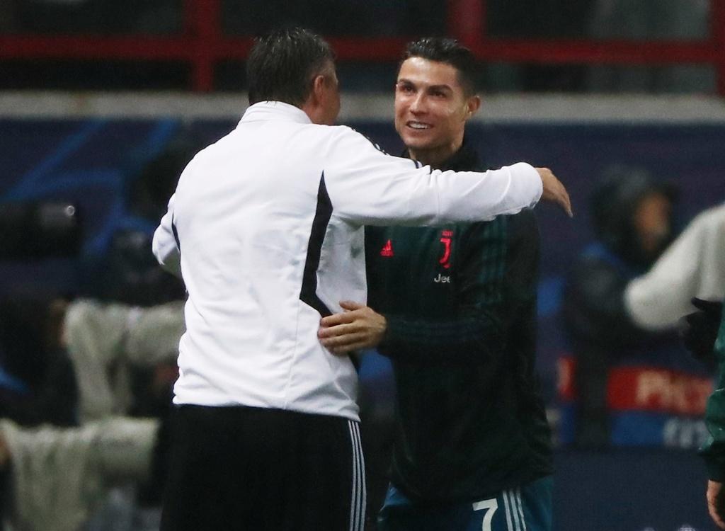 Ronaldo that vong khi bi Ramsey cuop ban thang hinh anh 9