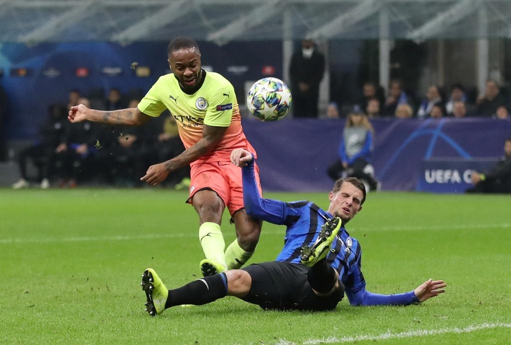 Walker lam thu mon, giup Man City gianh diem o Champions League hinh anh 4