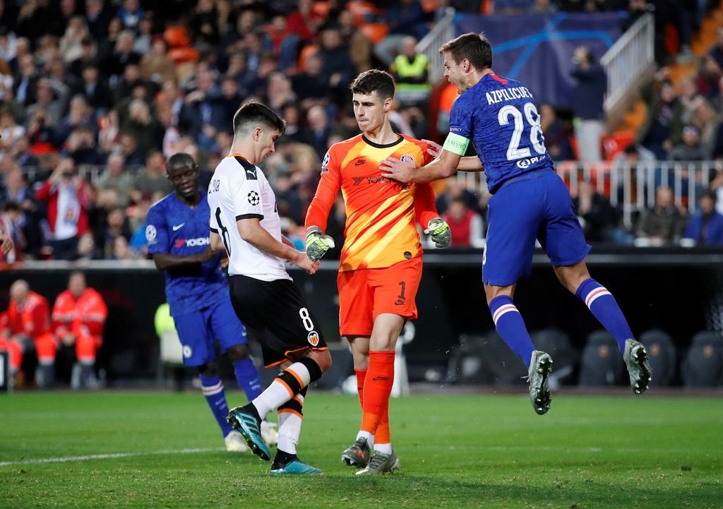 Tien ve Valencia tat bong thanh ban khien Chelsea bi cam hoa hinh anh 9
