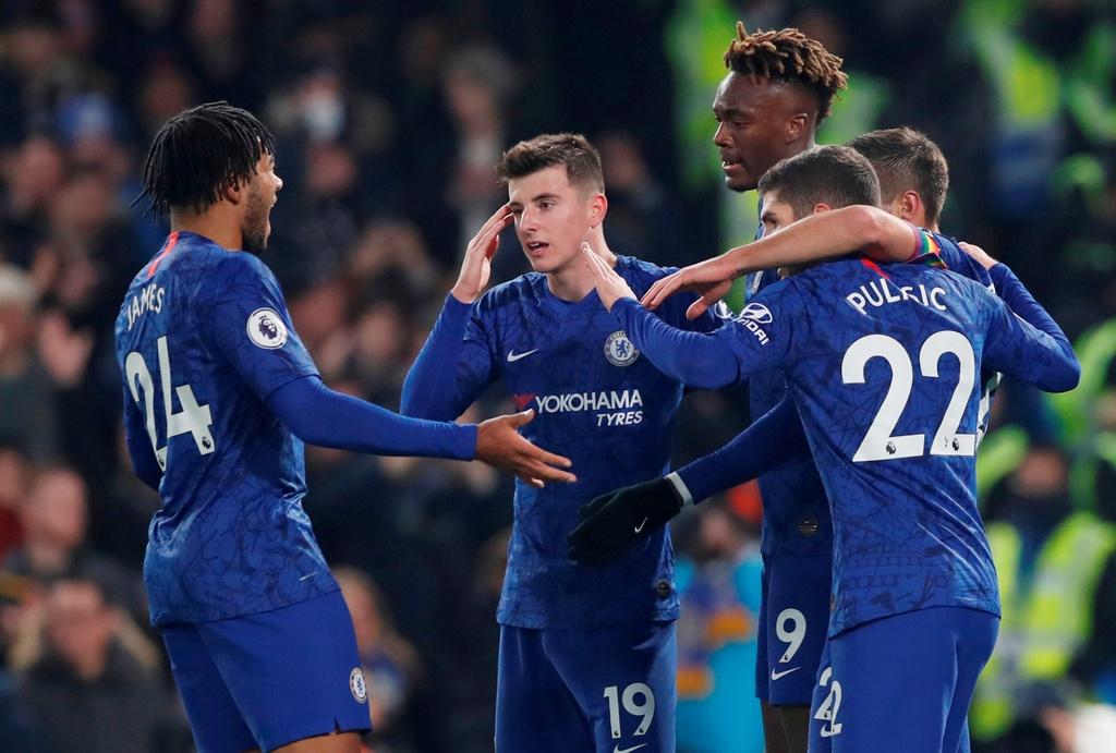 Bo doi sao tre toa sang giup Chelsea ha Aston Villa hinh anh 2