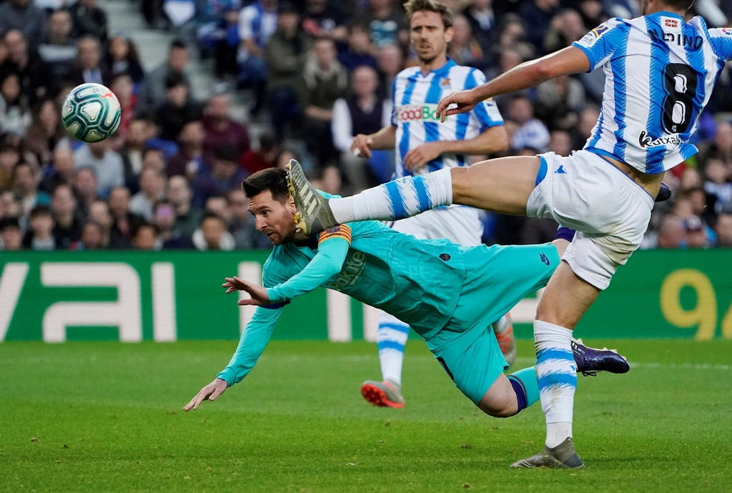 Messi kien tao trong tran Barca bi cam hoa 2-2 hinh anh 8 2019-12-14T164131Z_413621160_RC24VD9UCNOA_RTRMADP_3_SOCCER-SPAIN-SOC-FCB-REPORT.JPG