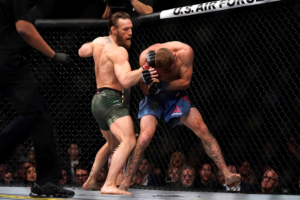 Conor McGregor khien doi thu bat ngo trong tran thang knock-out hinh anh 5 2020_01_19T054418Z_1275697272_RC2TIE9NJT9E_RTRMADP_3_MMA_UFC_UFC246.JPG