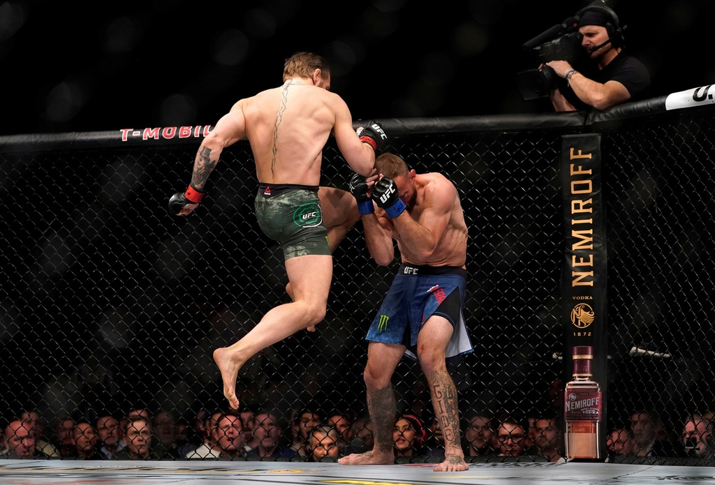 Conor McGregor khien doi thu bat ngo trong tran thang knock-out hinh anh 4 2020_01_19T054630Z_535388028_RC2TIE9QV0F1_RTRMADP_3_MMA_UFC_UFC246.JPG