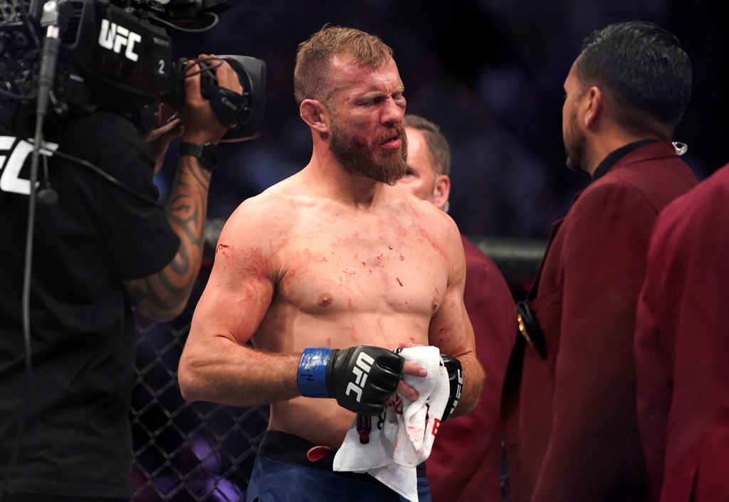 Conor McGregor khien doi thu bat ngo trong tran thang knock-out hinh anh 9 2020_01_19T061246Z_636743140_RC2UIE98GHD0_RTRMADP_3_MMA_UFC_UFC246.JPG