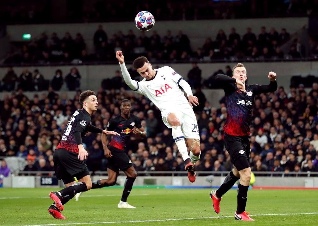 Tottenham thua tren san nha trong tran vang Son Heung-min hinh anh 5 2020_02_19T204341Z_1057582386_RC2W3F9E617F_RTRMADP_3_SOCCER_CHAMPIONS_TOT_RBL_REPORT.JPG