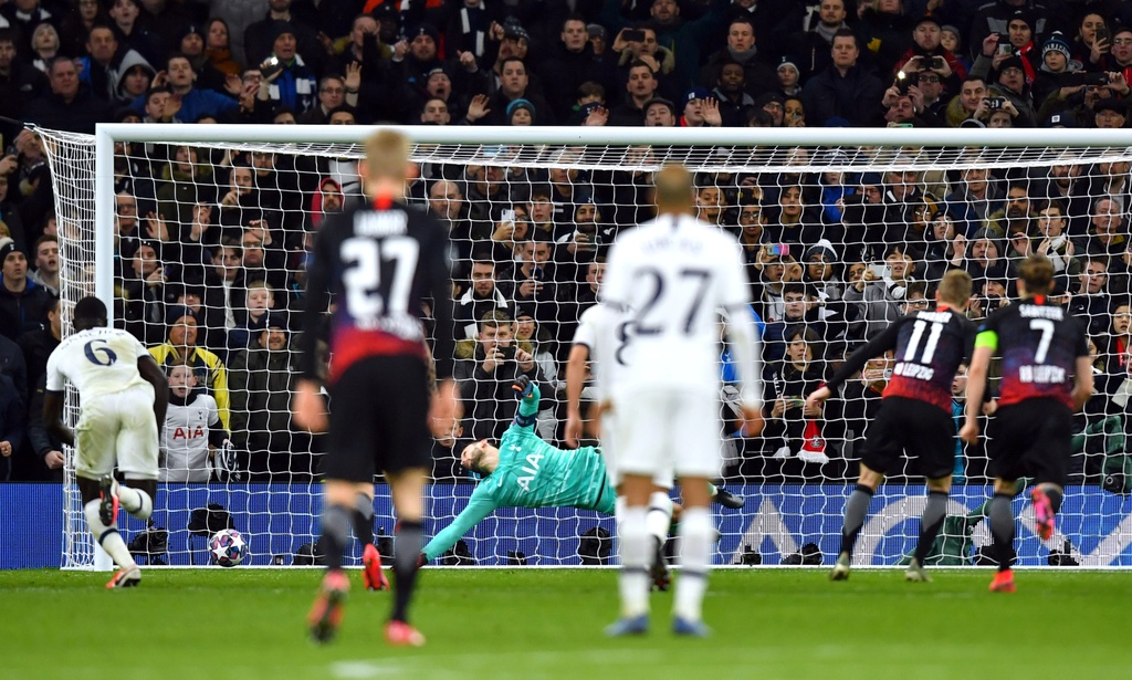 Tottenham thua tren san nha trong tran vang Son Heung-min hinh anh 7 2020_02_19T211946Z_509735484_RC2X3F9F6WTO_RTRMADP_3_SOCCER_CHAMPIONS_TOT_RBL_REPORT.JPG