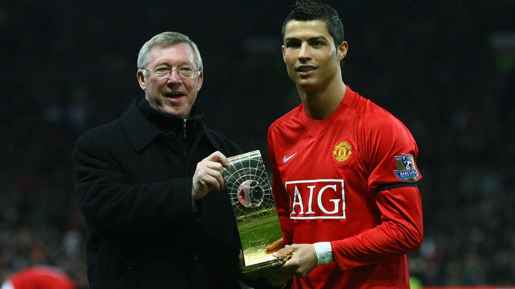 Doi hinh trong mo cua Man Utd nam 2013 anh 11