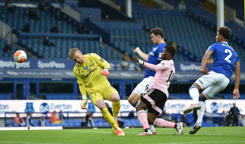 Everton dau Leicester City anh 8