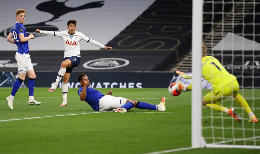 Tottenham dau Everton anh 7