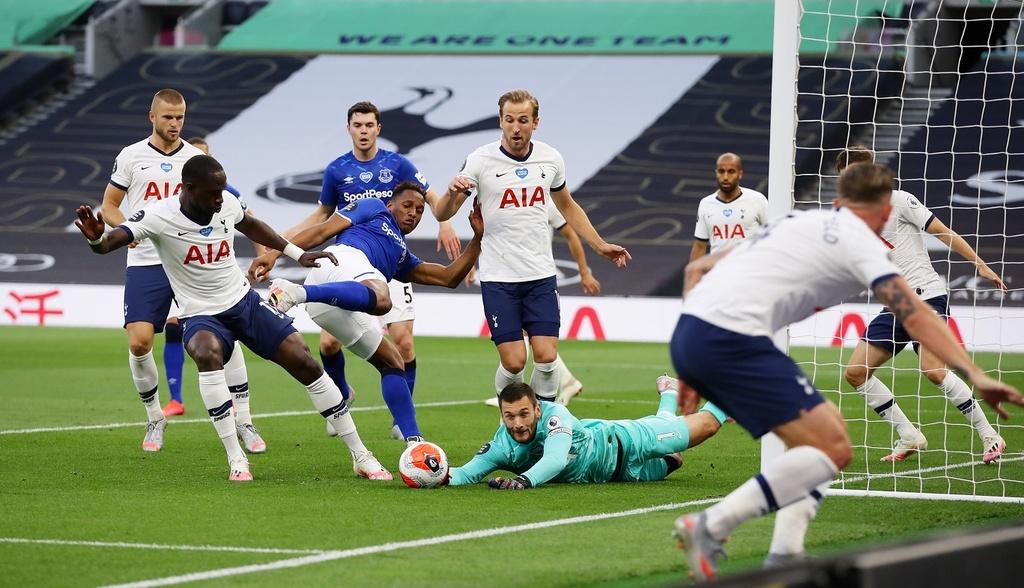 Tottenham dau Everton anh 5