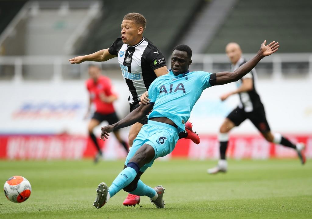 Tottenham dau Newcastle anh 10