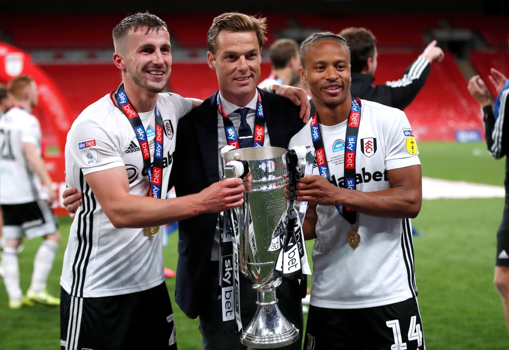 Fulham thang hang Premier League anh 7