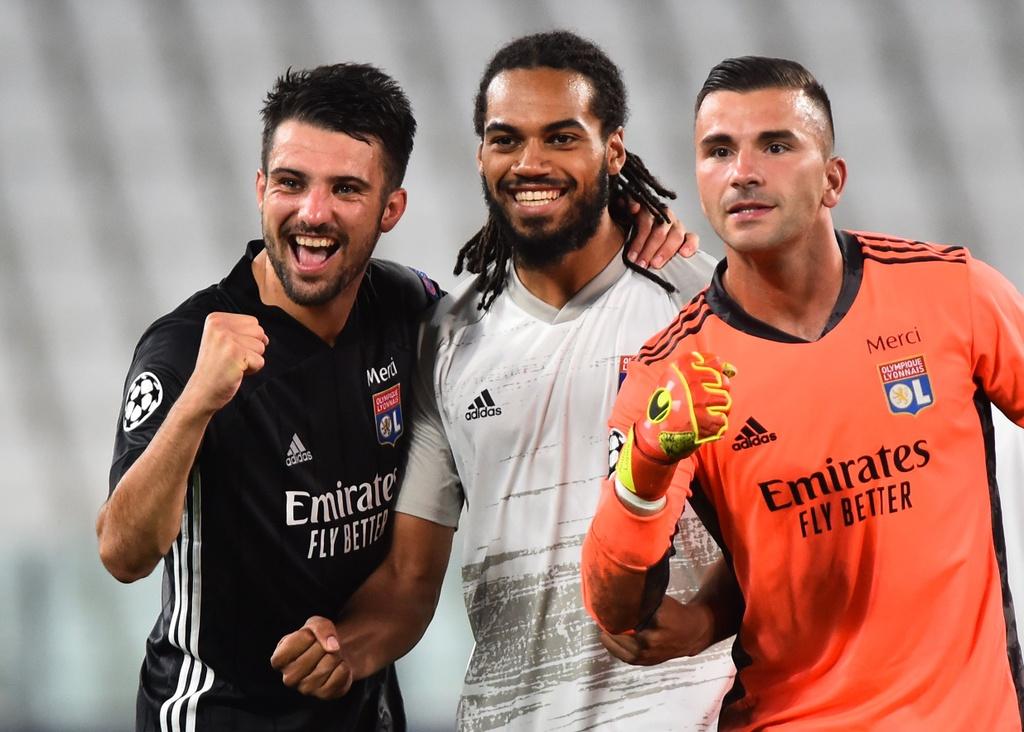 Juventus thua Lyon anh 7