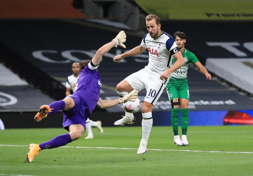 Tottenham thang 7-2 anh 2