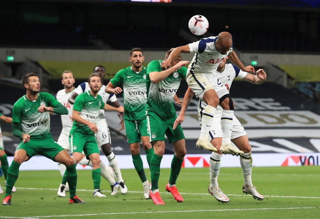 Tottenham thang 7-2 anh 4