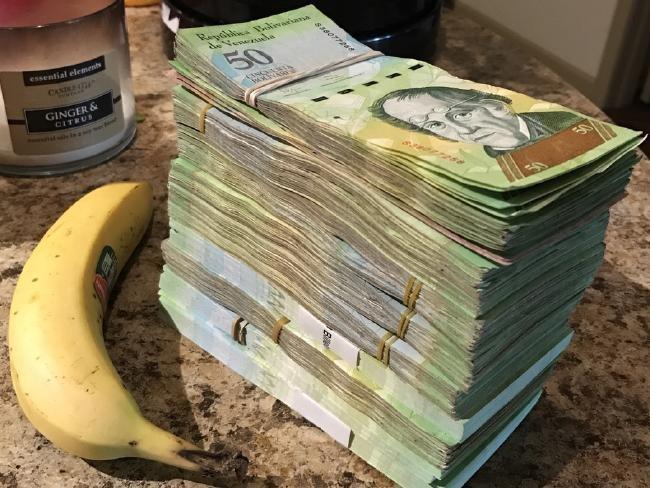 Lam phat o Venezuela: Dung bao tai thay cho vi, can tien thay vi dem hinh anh 7