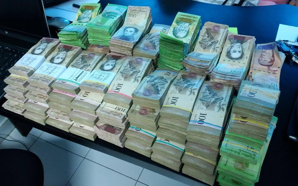Lam phat o Venezuela: Dung bao tai thay cho vi, can tien thay vi dem hinh anh 9