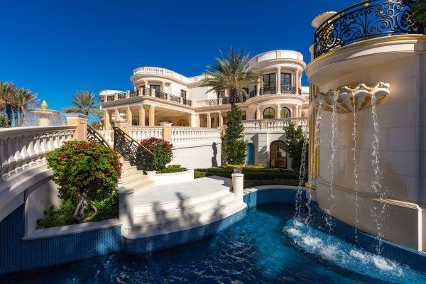Dinh thự lấy cảm hứng từ lâu đài Versailles giá 159 triệu USD ở Mỹ
