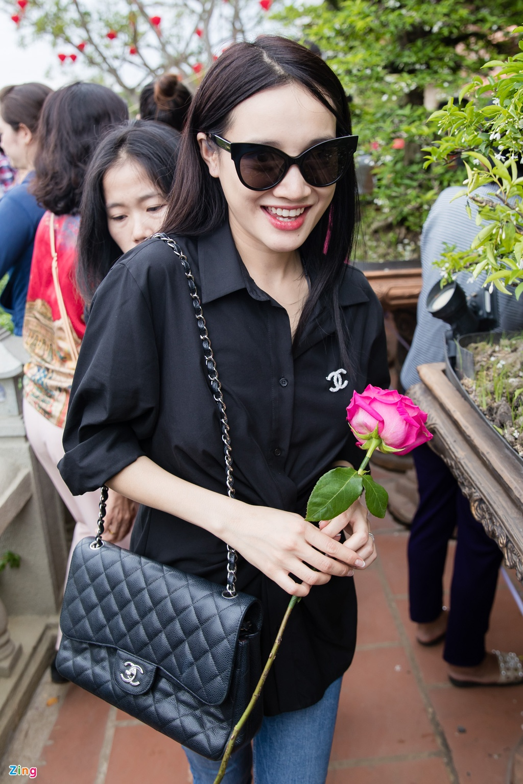 Nha Phuong cung to nghe san khau anh 2