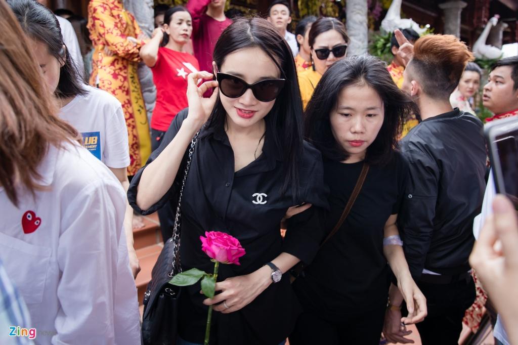 Nha Phuong cung to nghe san khau anh 1