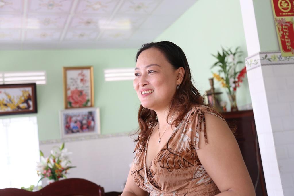 Gia canh Hoa hau Phuong Khanh o Ben Tre: Cha me ly hon, hoc tre 2 nam hinh anh 5