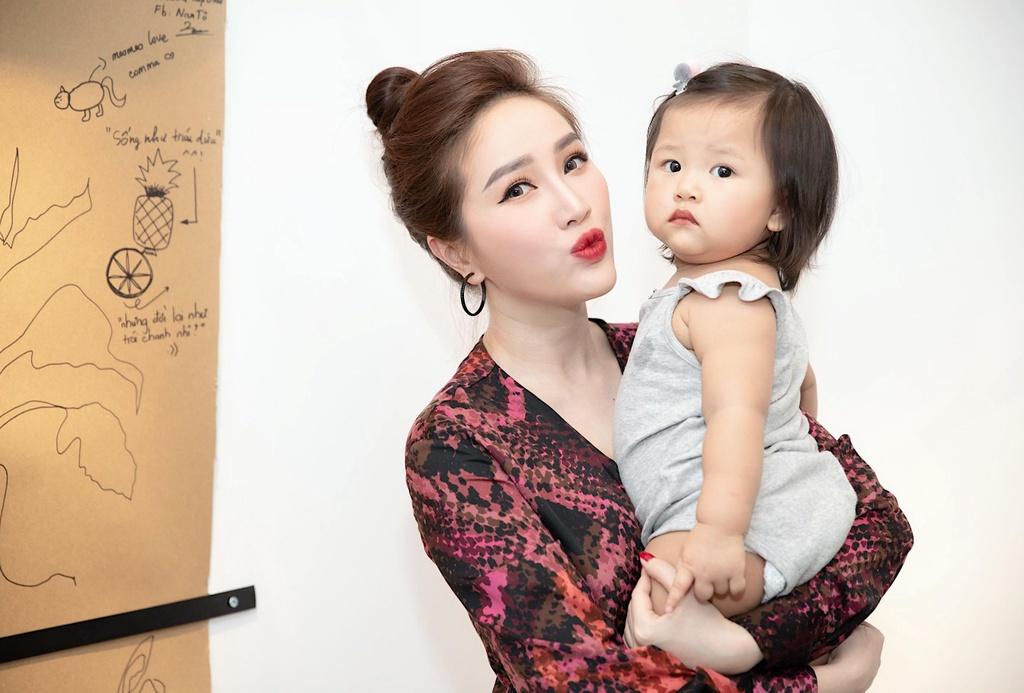 13 nam gia nhap showbiz, Bao Thy lan dau cong khai ban trai hinh anh 6
